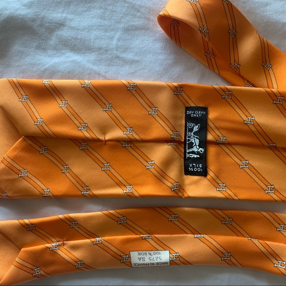 Hermes Other - Hermes Tie 100% Silk